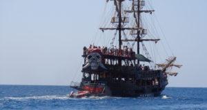 Пиратская яхта Кемер